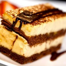 Desserts from the Cap de Creus buffet restaurant at the Hotel Marítim